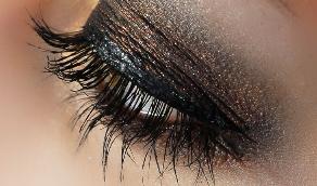 review of Flawless Volumizing Mascara